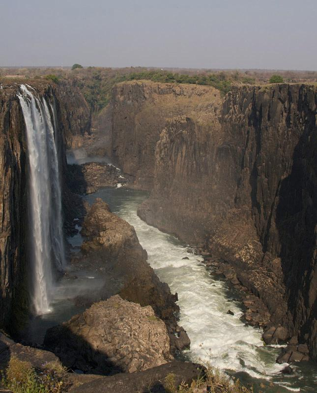 kathriver-path-of-victoria-falls