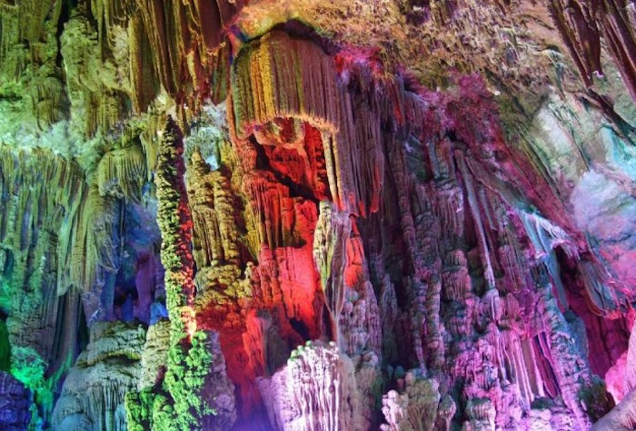 psychedelic-reed-flute-cave-china-woe4-690x468