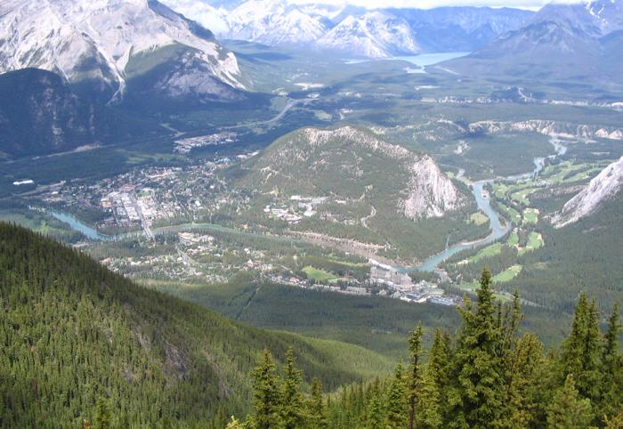 roc.Banff_from_Sulphur_Mtn_2005