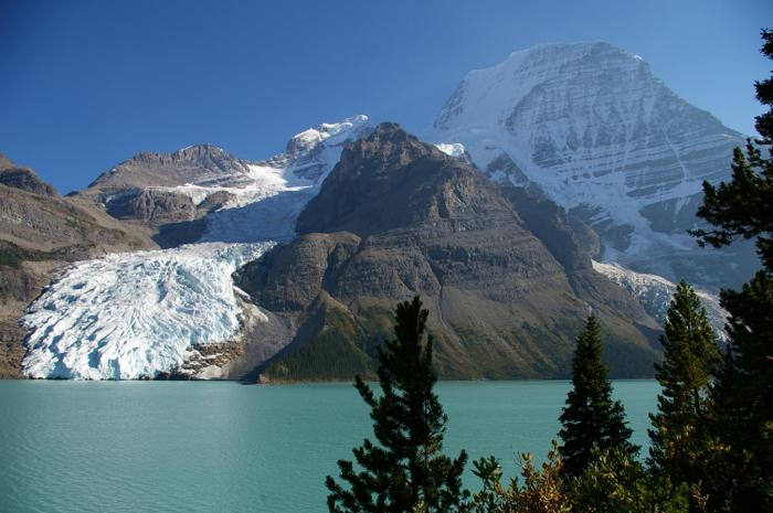 roc.Berg_Lake_Berg_Glacier_and_Mount_Robson
