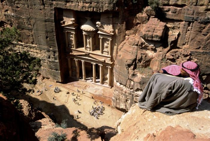 th_Jordan-Petra-Treasury-Tour-875x590