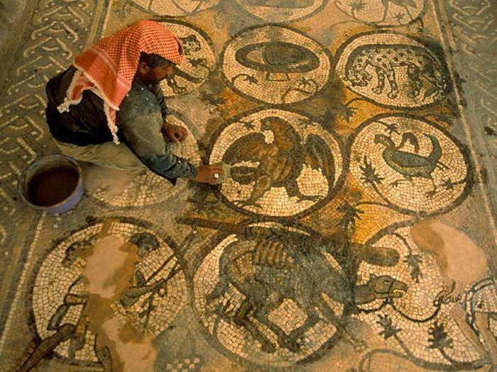 th_petra-church-mosaics_2812_600x450