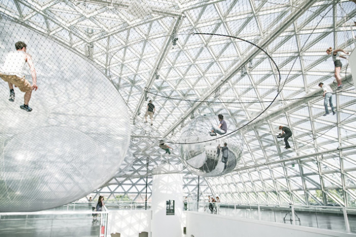 in-orbit-standehaus-dusseldorf-german-tomas-saraceno-3-690x459