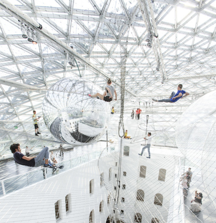 in-orbit-standehaus-dusseldorf-german-tomas-saraceno-8-690x712