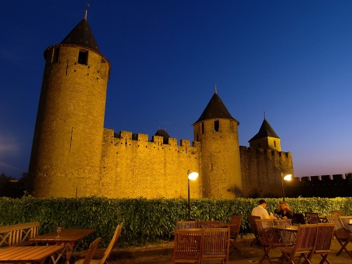 Carcassonne-nuit_reference