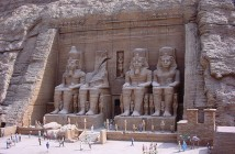 800px-Tobu_World_Square_Great_Temple_of_Abu_Simbel_1